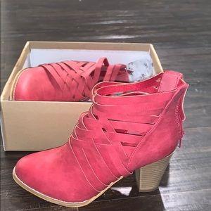 NWT Mi.Im urban red booties 6.5